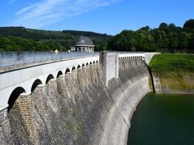 dam-912442_640
