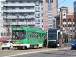 札幌の市電が走行している